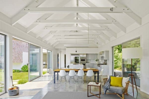 featured posts image for Beautiful seaside dwelling in Amagansett flooded by natural light