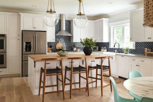 featured posts image for Contemporary family home with farmhouse details in New England
