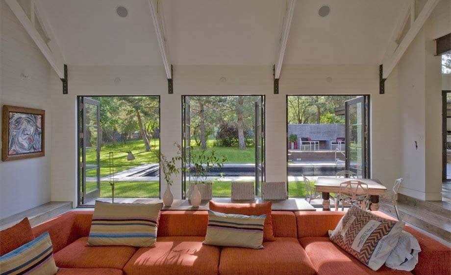 Contemporary Farmhouse Design-Surround Architecture-04-1 Kindesign