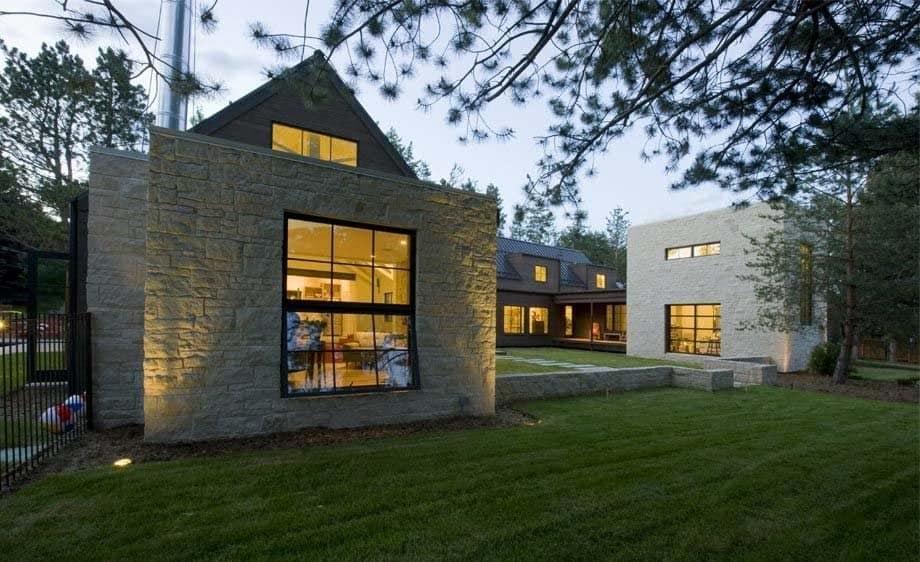 Contemporary Farmhouse Design-Surround Architecture-25-1 Kindesign