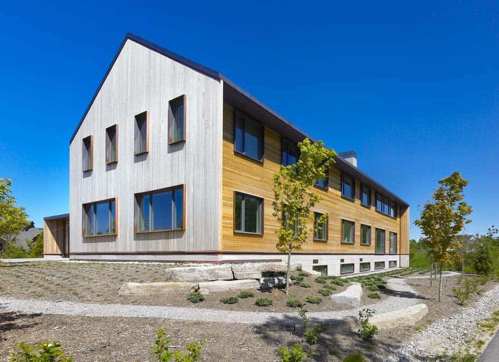 Contemporary Ski Chalet-AKB Architects-17-1 Kindesign.jpg