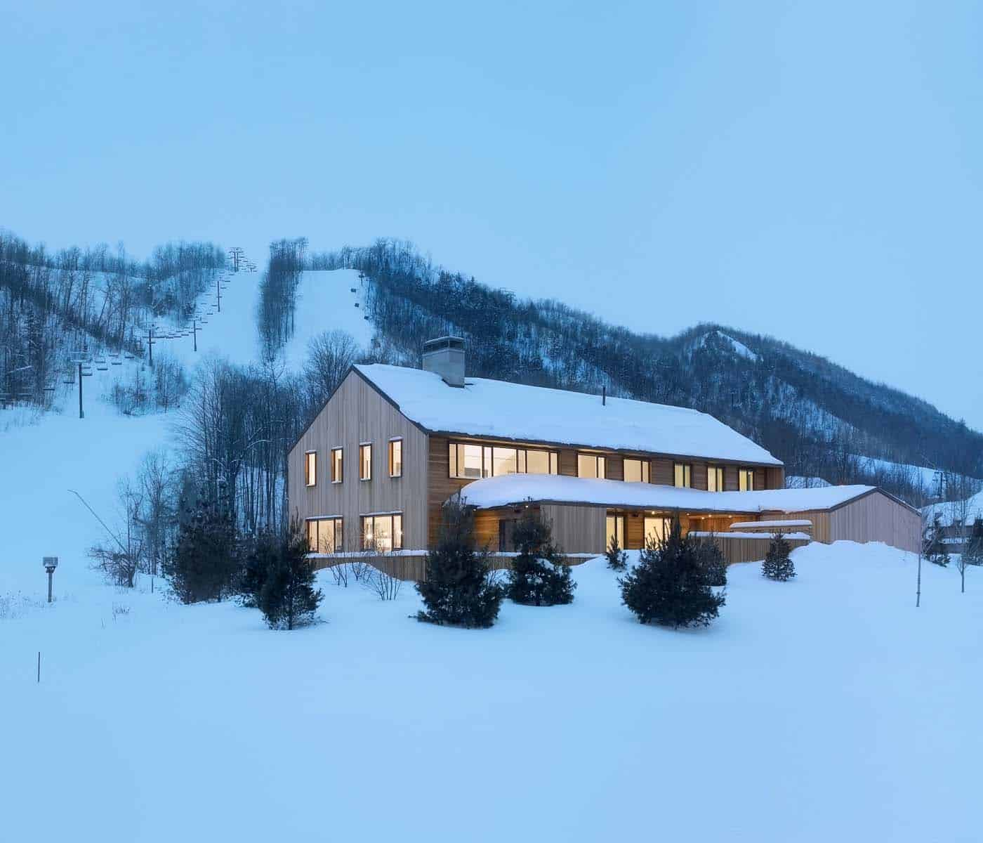 Contemporary Ski Chalet-AKB Architects-18-1 Kindesign.jpg