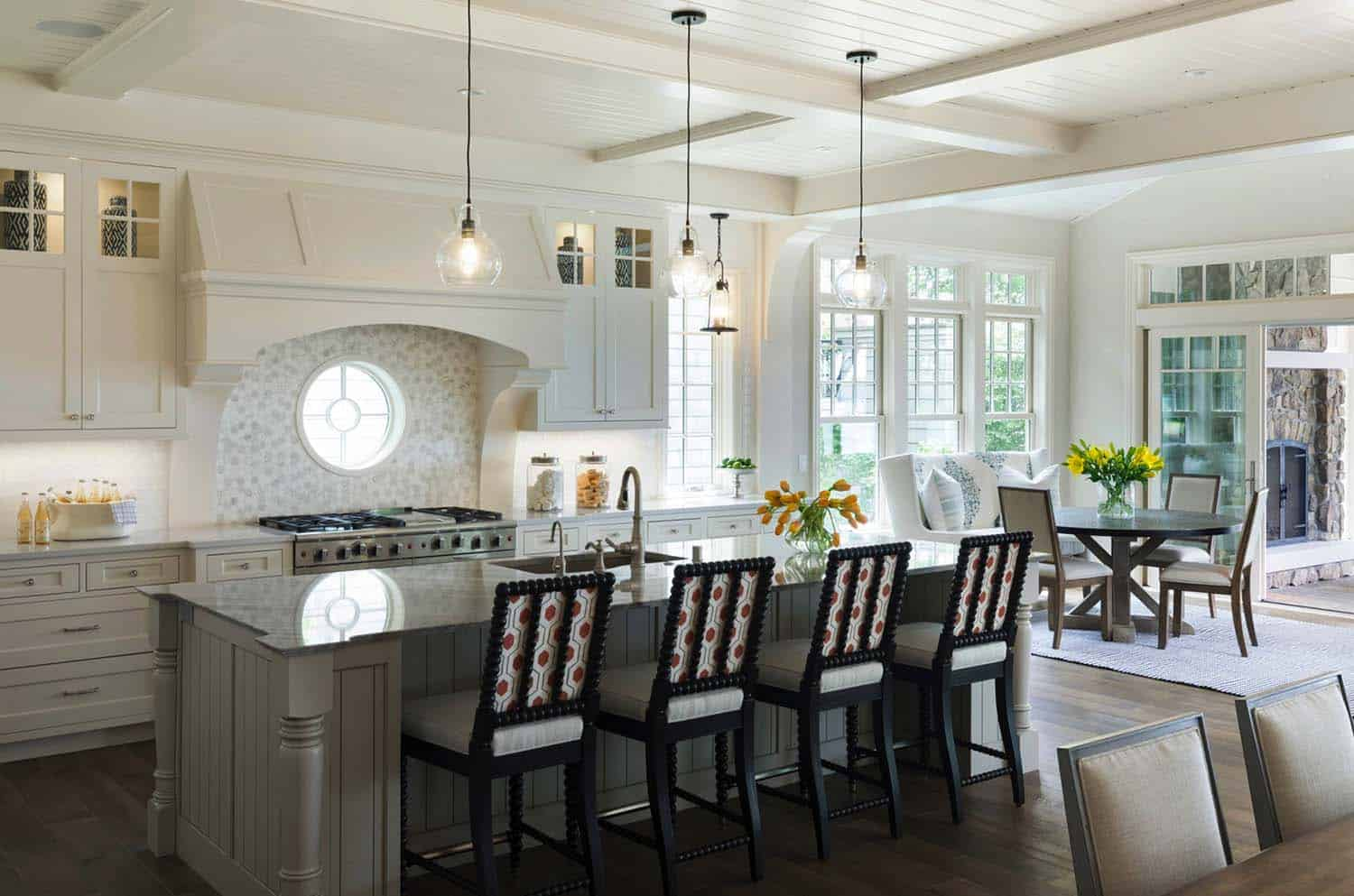 Cottage-Inspired Lake House-Charlie Co Design-07-1 Kindesign