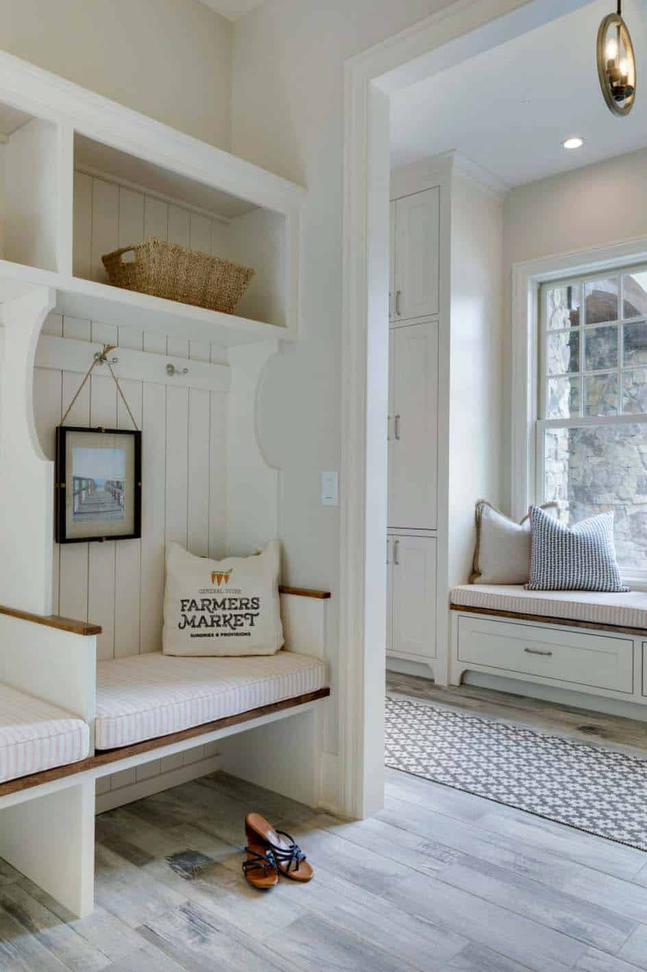 Cottage-Inspired Lake House-Charlie Co Design-13-1 Kindesign
