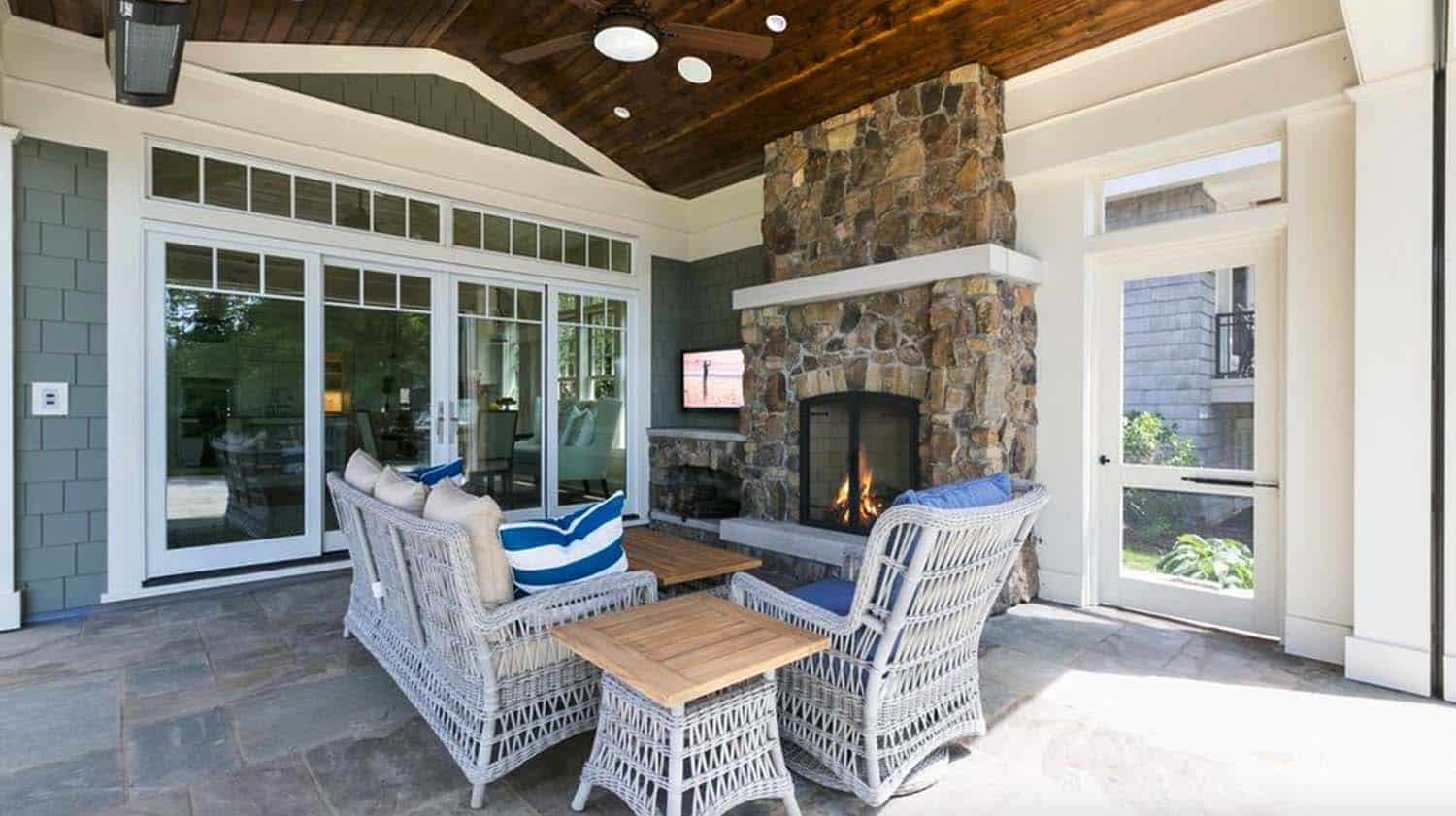Cottage-Inspired Lake House-Charlie Co Design-24-1 Kindesign