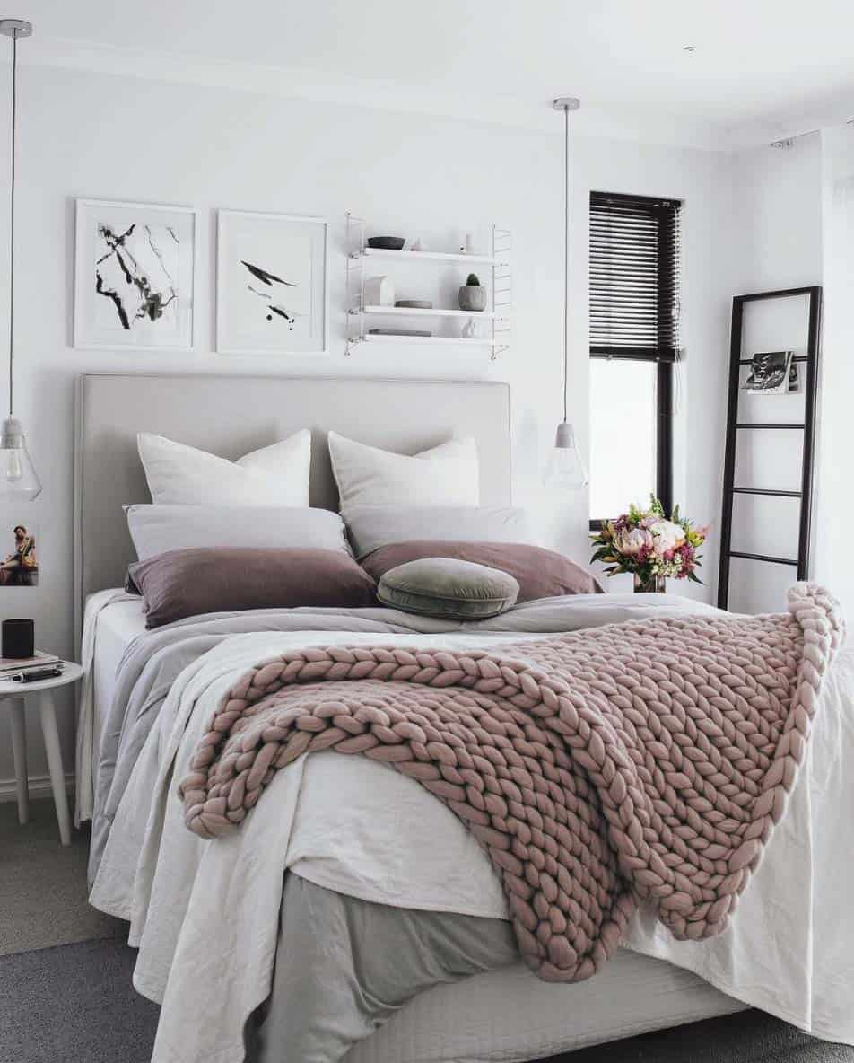 Cozy Fall-Inspired Bedrooms-06-1 Kindesign