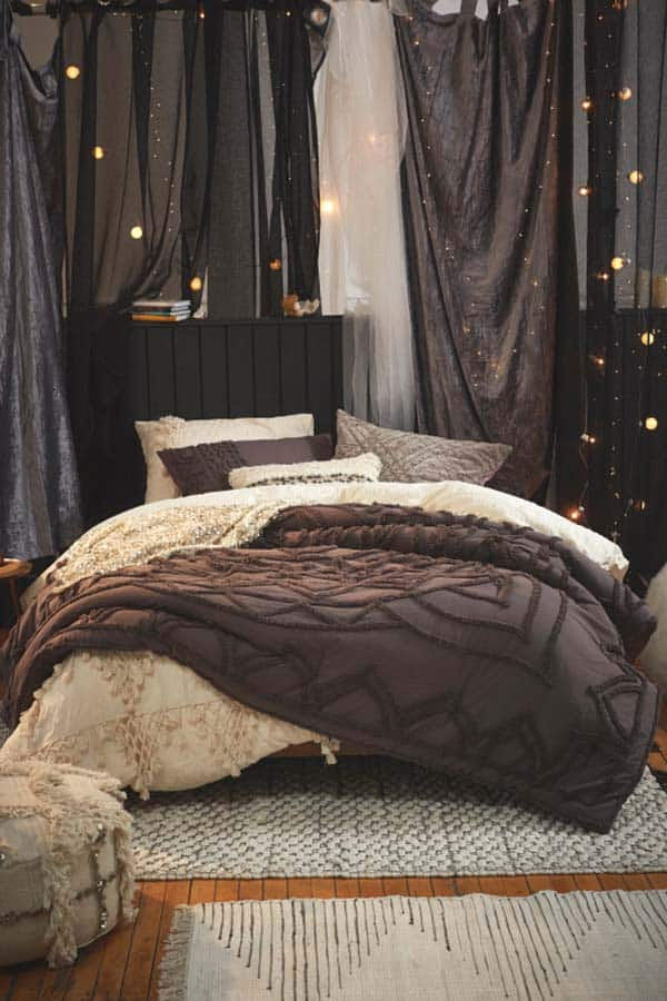 Cozy Fall-Inspired Bedrooms-07-1 Kindesign