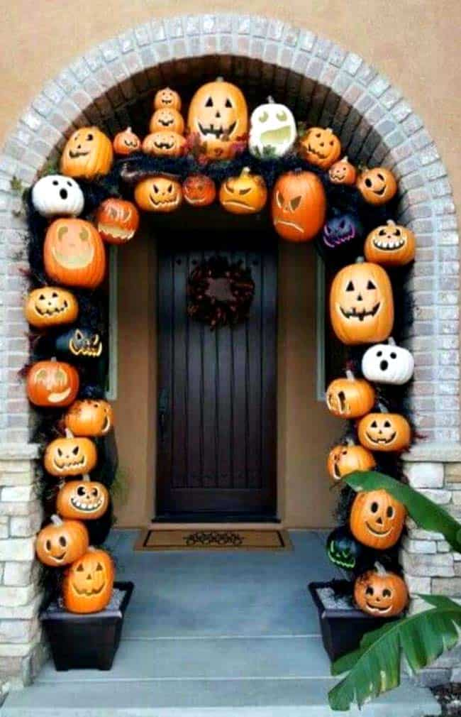 Fall Front Door Decorating Ideas-22-1 Kindesign