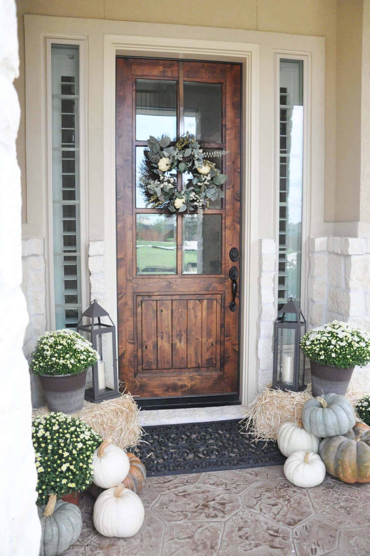 Fall Front Door Decorating Ideas-23-1 Kindesign