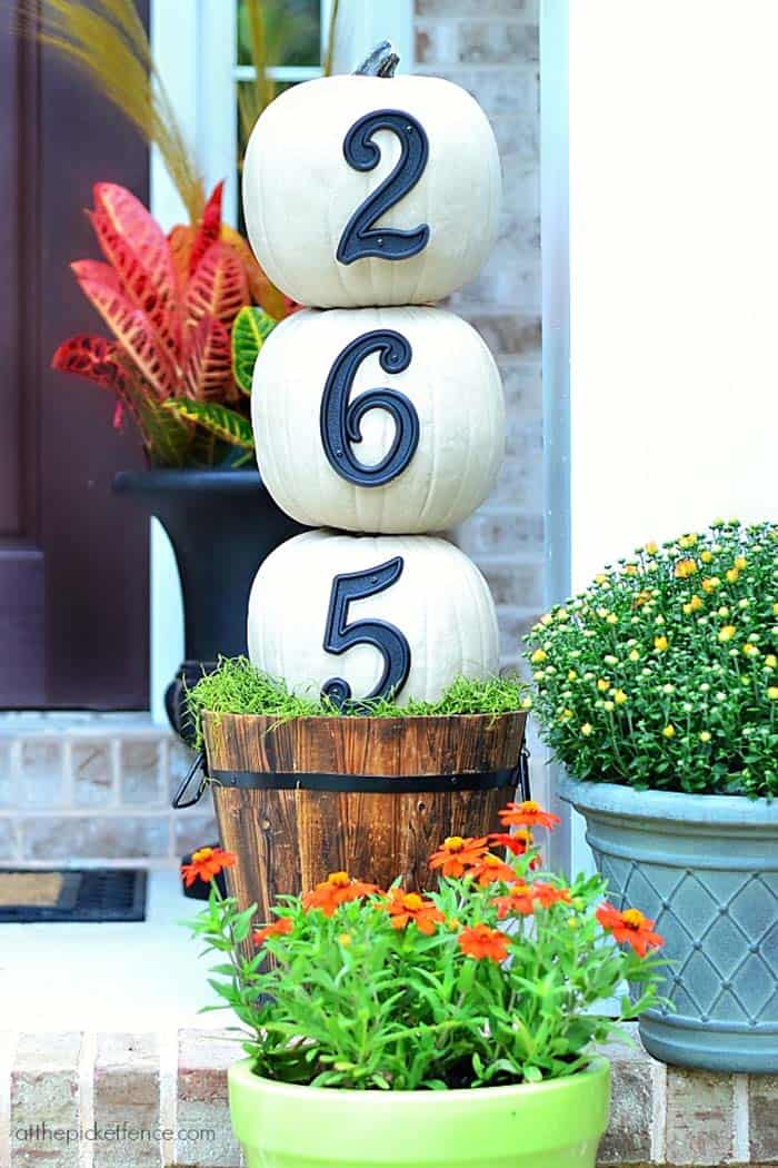 Fall Front Door Decorating Ideas-26-1 Kindesign