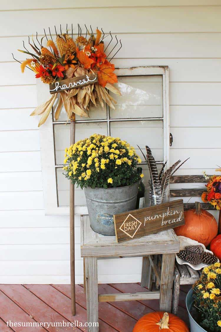 Fall Front Door Decorating Ideas-27-1 Kindesign
