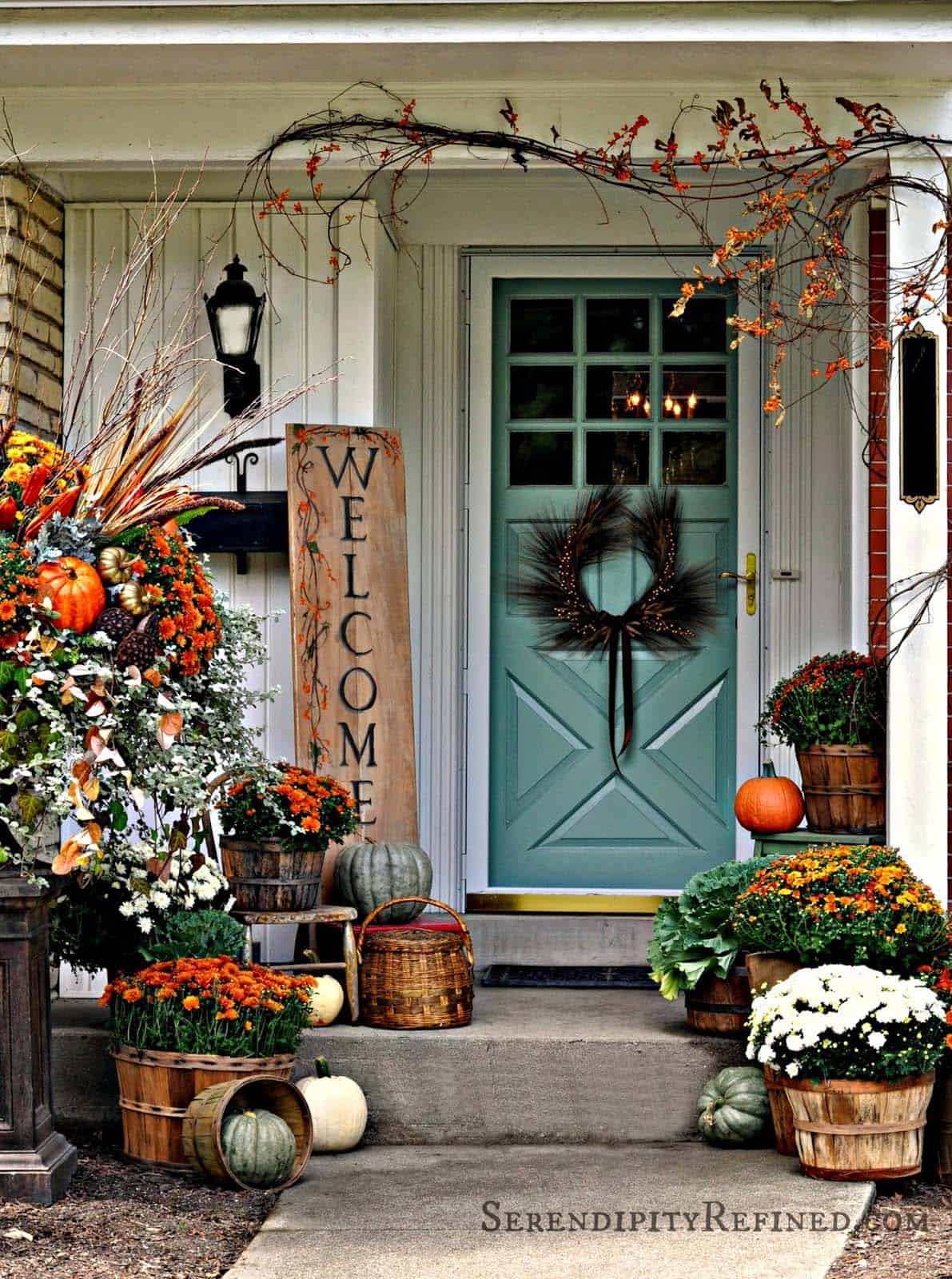 Fall Front Door Decorating Ideas-32-1 Kindesign