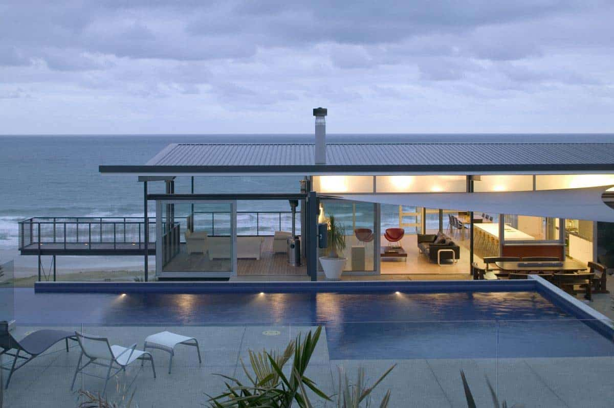 Modern beach house in new zealand embraces its ocean vistas for Beach house plans uk