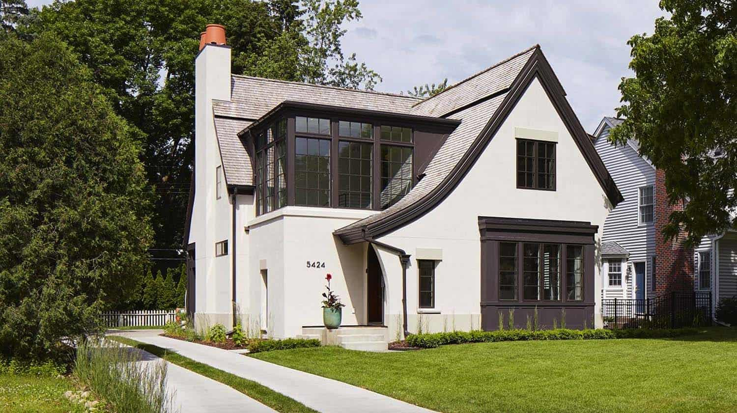 Modern Scottish Cottage In Minnesota Radiates With Stylish