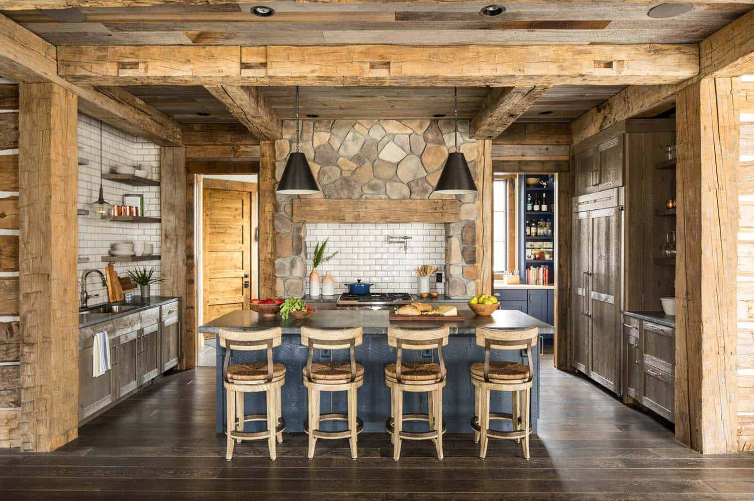 Rustic Lake House-Martha OHara Interiors-04-1 Kindesign