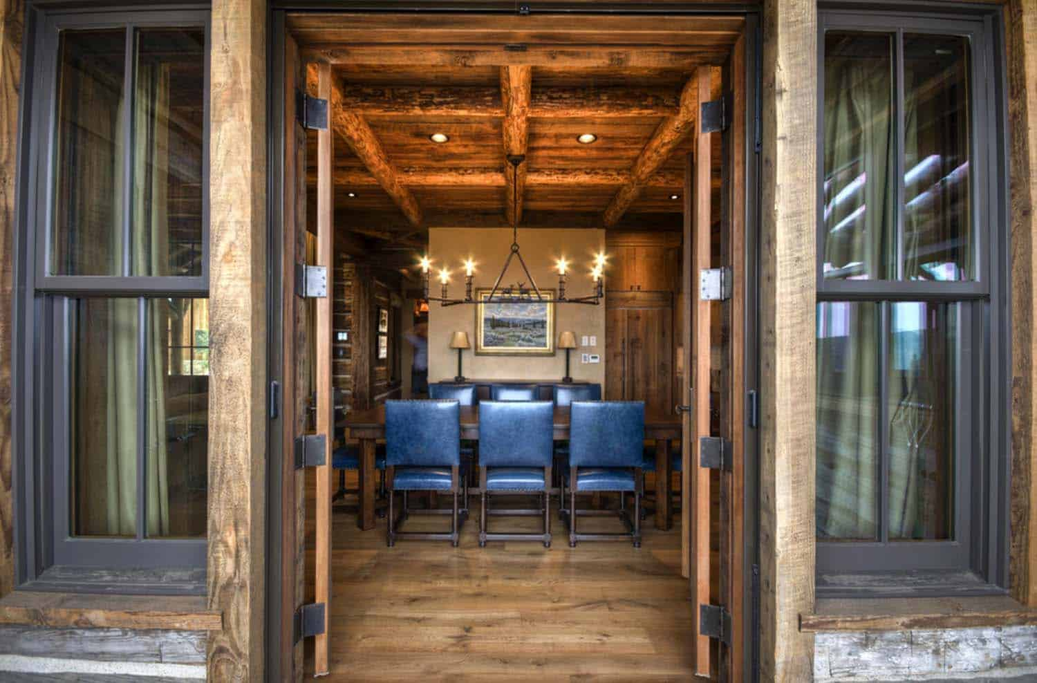 Rustic Mountain Home-Laura Fedro Interiors-02-1 Kindesign