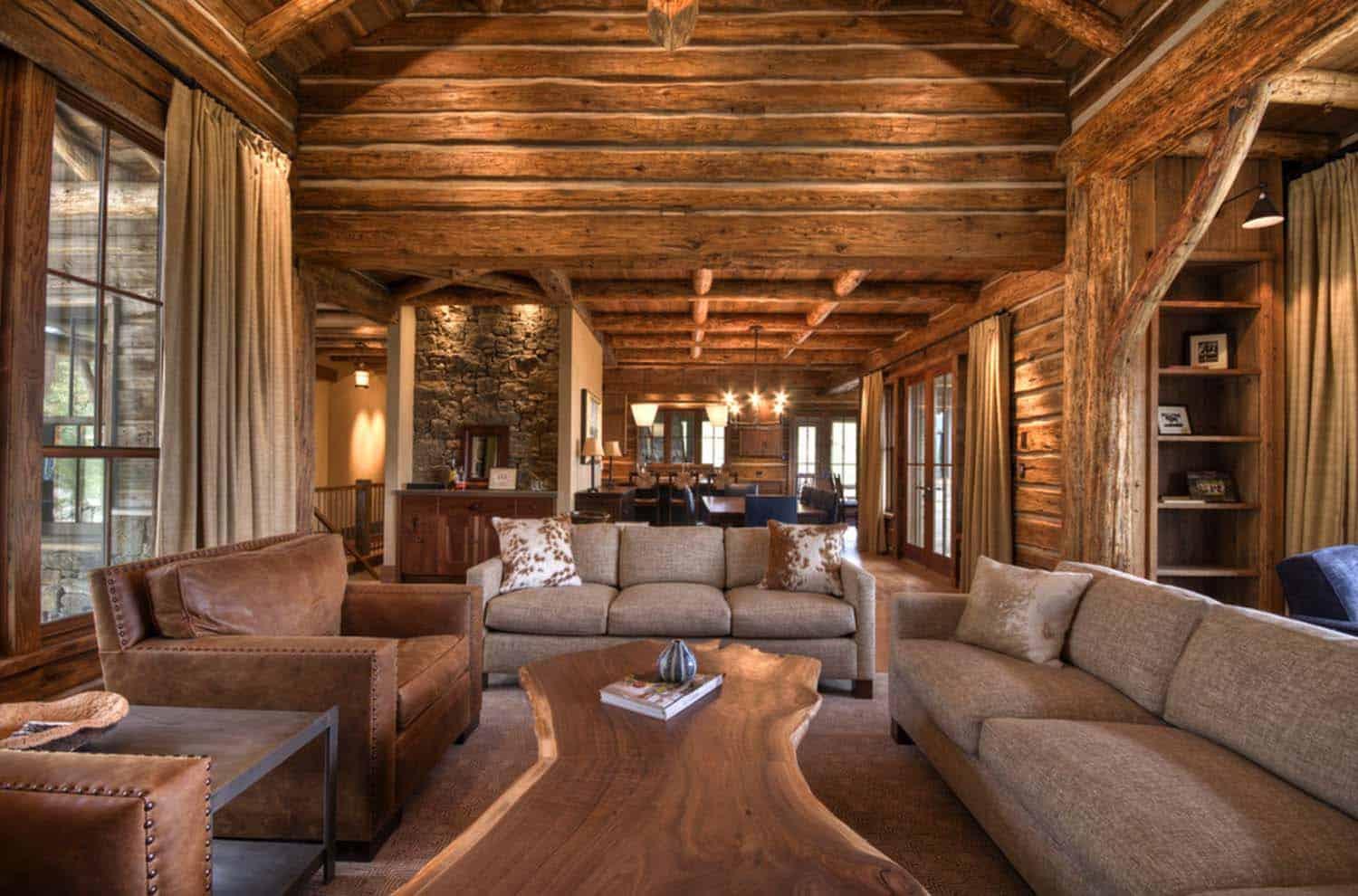 Rustic Mountain Home-Laura Fedro Interiors-04-1 Kindesign