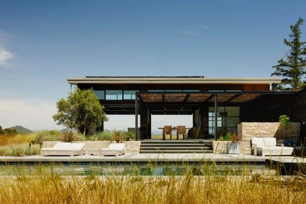 featured posts image for Impressive wine country retreat embraces the outdoors in California