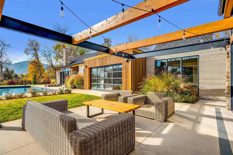 Striking Modern Residence-Treeline Homes-25-1 Kindesign