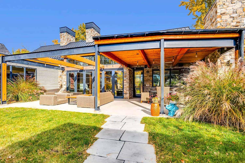 Striking Modern Residence-Treeline Homes-26-1 Kindesign