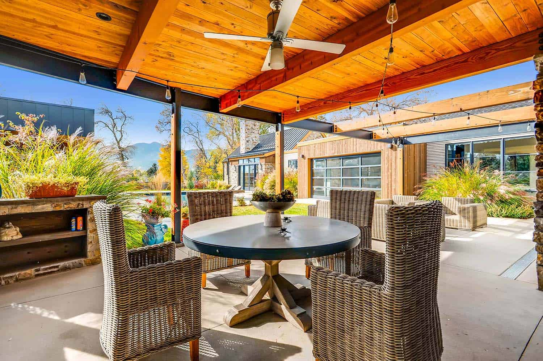 Striking Modern Residence-Treeline Homes-27-1 Kindesign