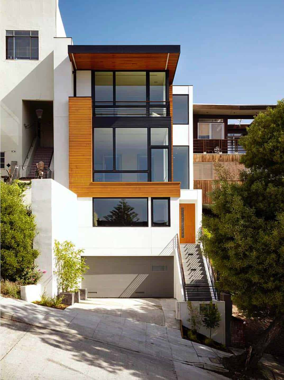 Visually striking open and airy modern home in san francisco for Modern homes san francisco