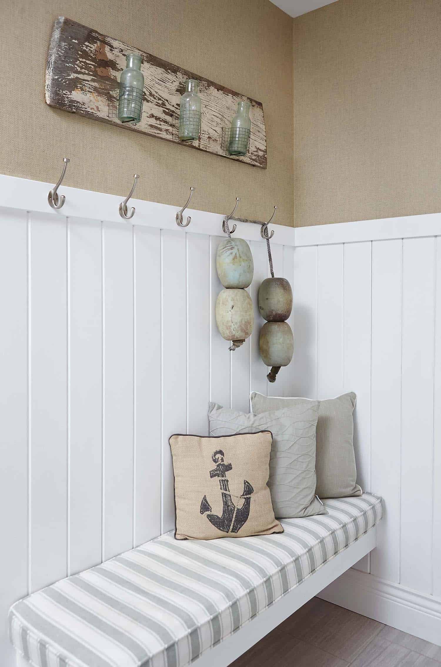 Beach Style Family Cottage-Villa Decor-01-1 Kindesign