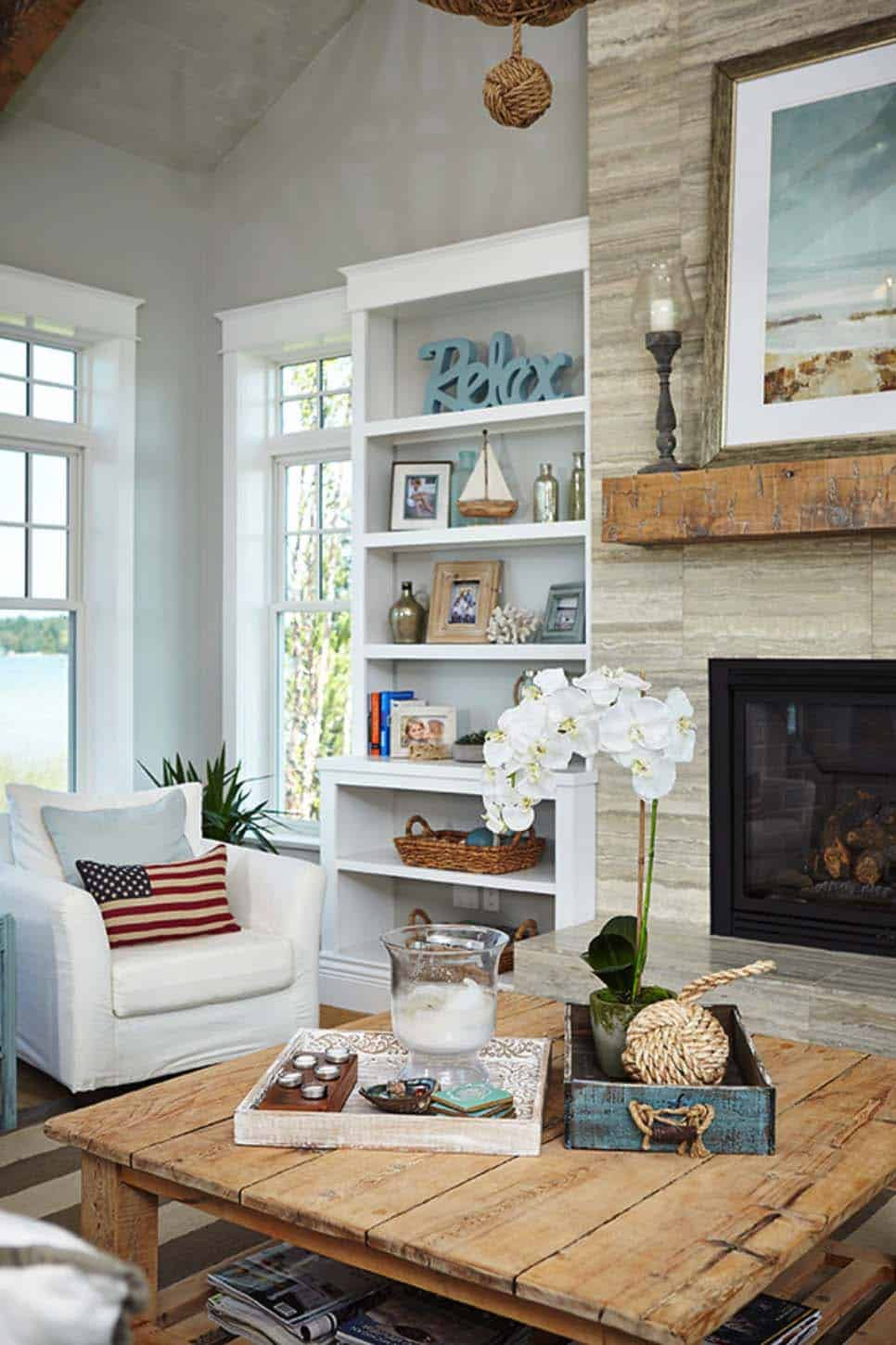 Beach Style Family Cottage-Villa Decor-12-1 Kindesign