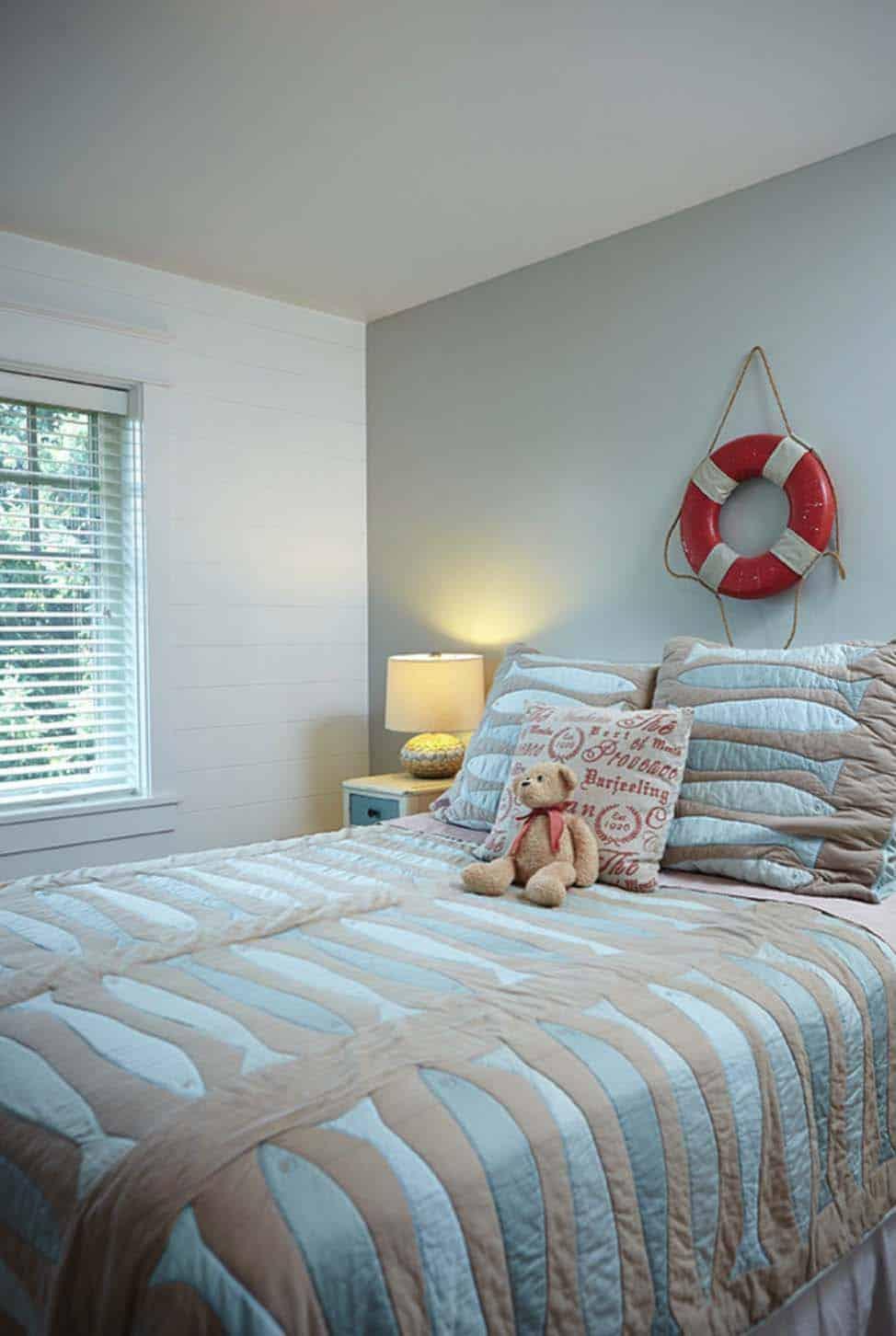 Beach Style Family Cottage-Villa Decor-25-1 Kindesign