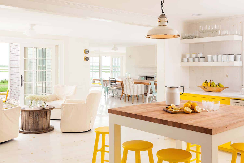Cape Cod-Style Cottage Interiors-01-1 Kindesign