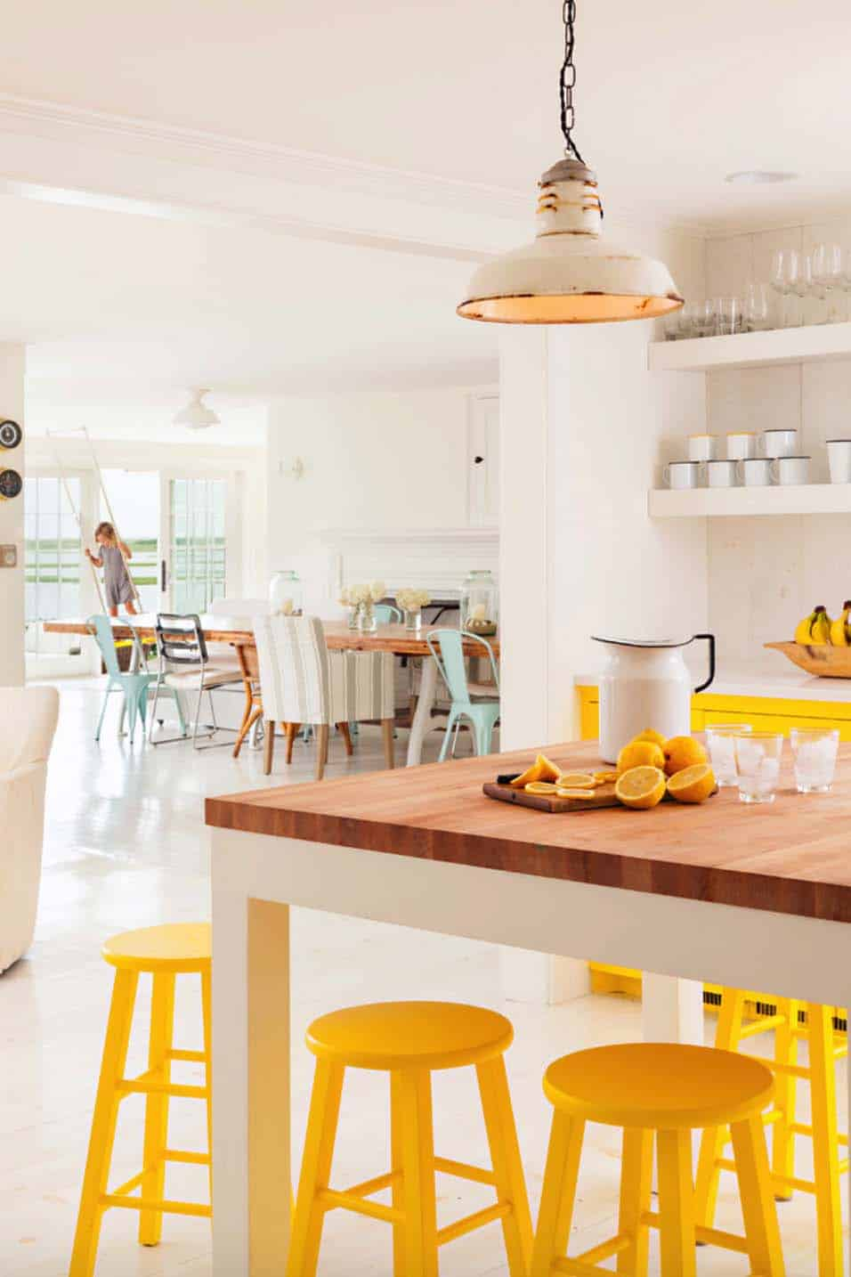 Cape Cod-Style Cottage Interiors-17-1 Kindesign