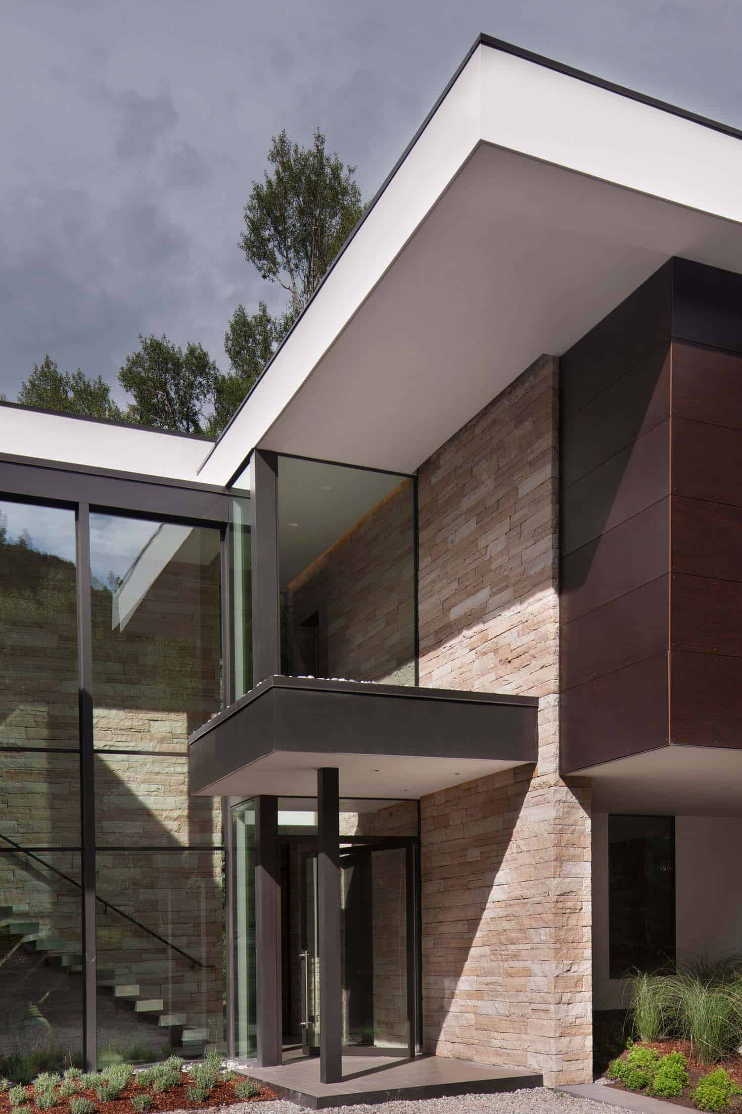 Contemporary Mountain Home-Charles Cunniffe Architects-03-1 Kindesign