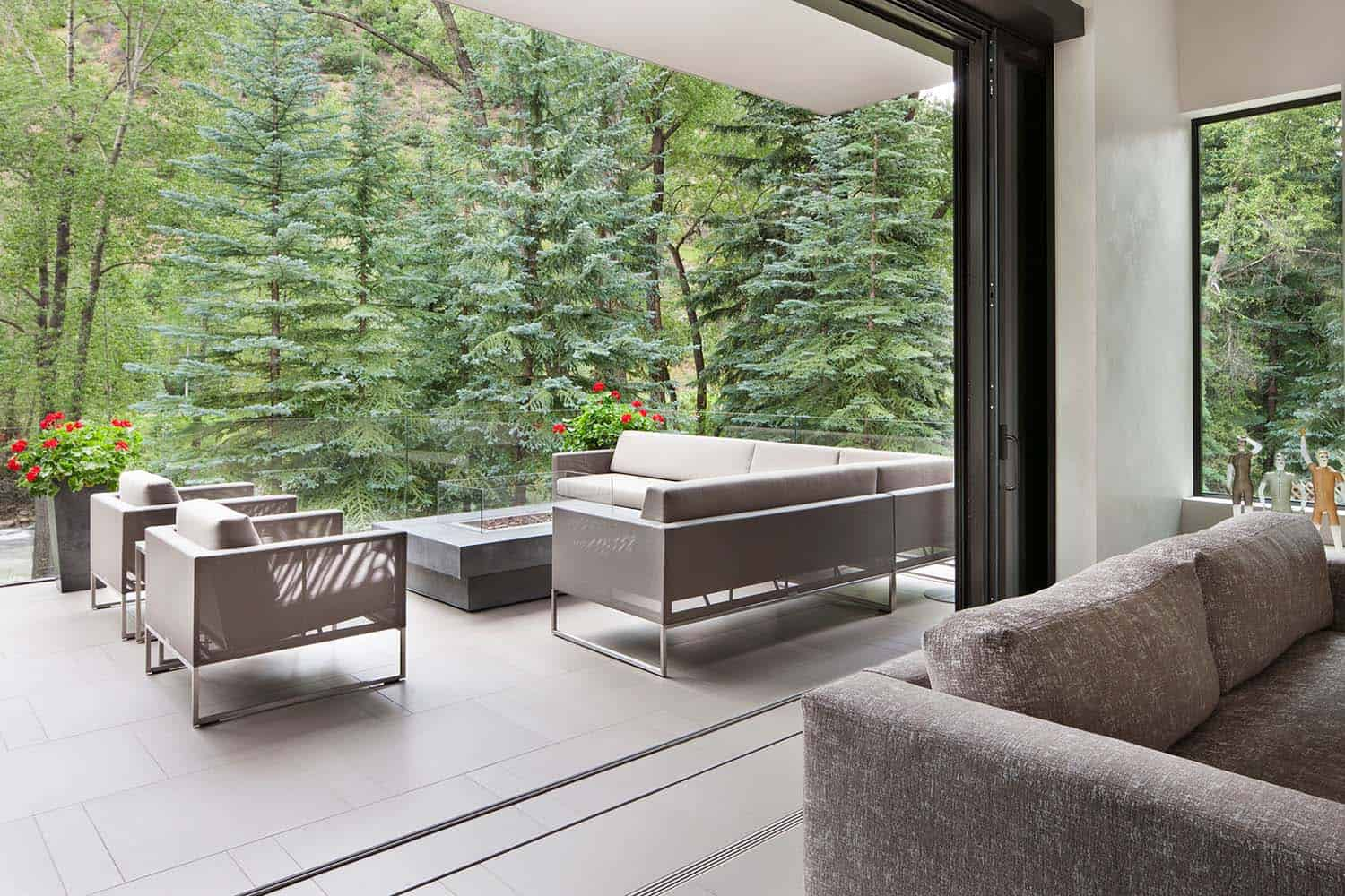 Contemporary Mountain Home-Charles Cunniffe Architects-11-1 Kindesign