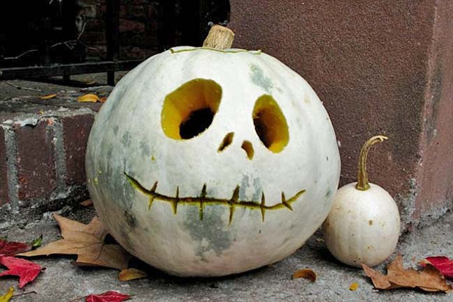 Creative Halloween Pumpkin Carving Ideas-03-1 Kindesign
