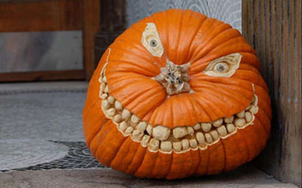 Creative Halloween Pumpkin Carving Ideas-20-1 Kindesign