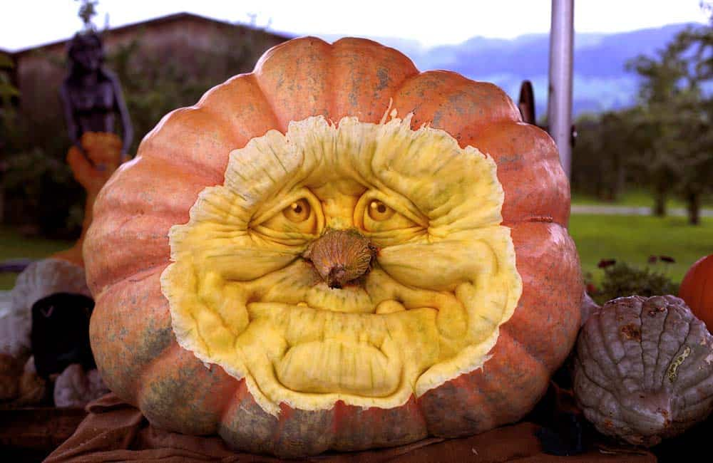 Creative Halloween Pumpkin Carving Ideas-27-1 Kindesign
