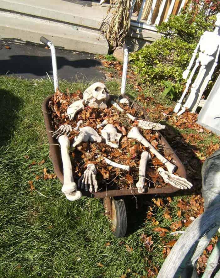 Diy Creepy Halloween Decorations.21 Incredibly Creepy Outdoor Decorating Ideas For Halloween