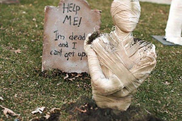 featured posts image for 21 Incredibly creepy outdoor decorating ideas for Halloween