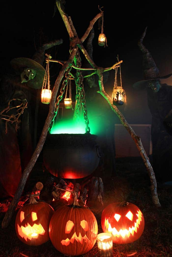 21 Incredibly Creepy Outdoor Decorating Ideas For Halloween,Summertime Chocolate Brown Hair Color 2020