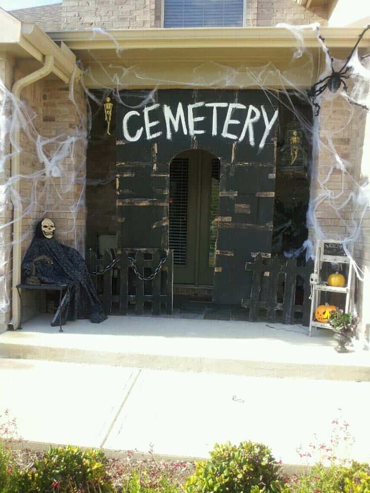 21 Incredibly creepy outdoor decorating ideas for Halloween on outside of house wallpaper, inside of house design, dining room design, outside of beach house, cleaning design, outside of house drawing, outside of house plans, outside of house decorations, out house design,