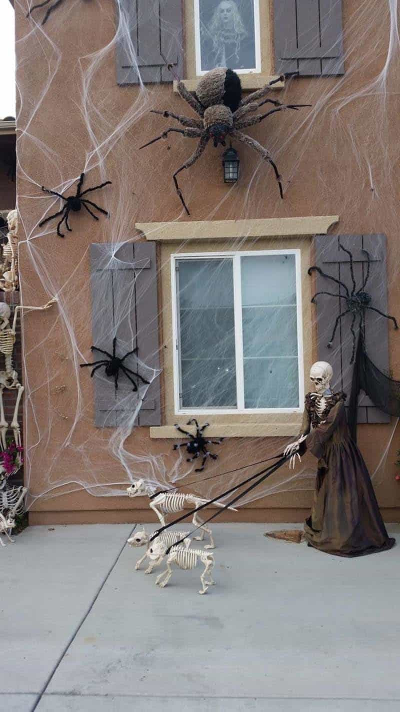 Creepy Outdoor Halloween Decorating Ideas-16-1 Kindesign