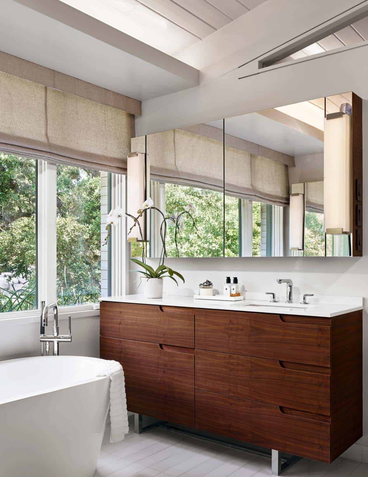 Mid-Century Modern Home Remodel-Webber Studio-11-1 Kindesign