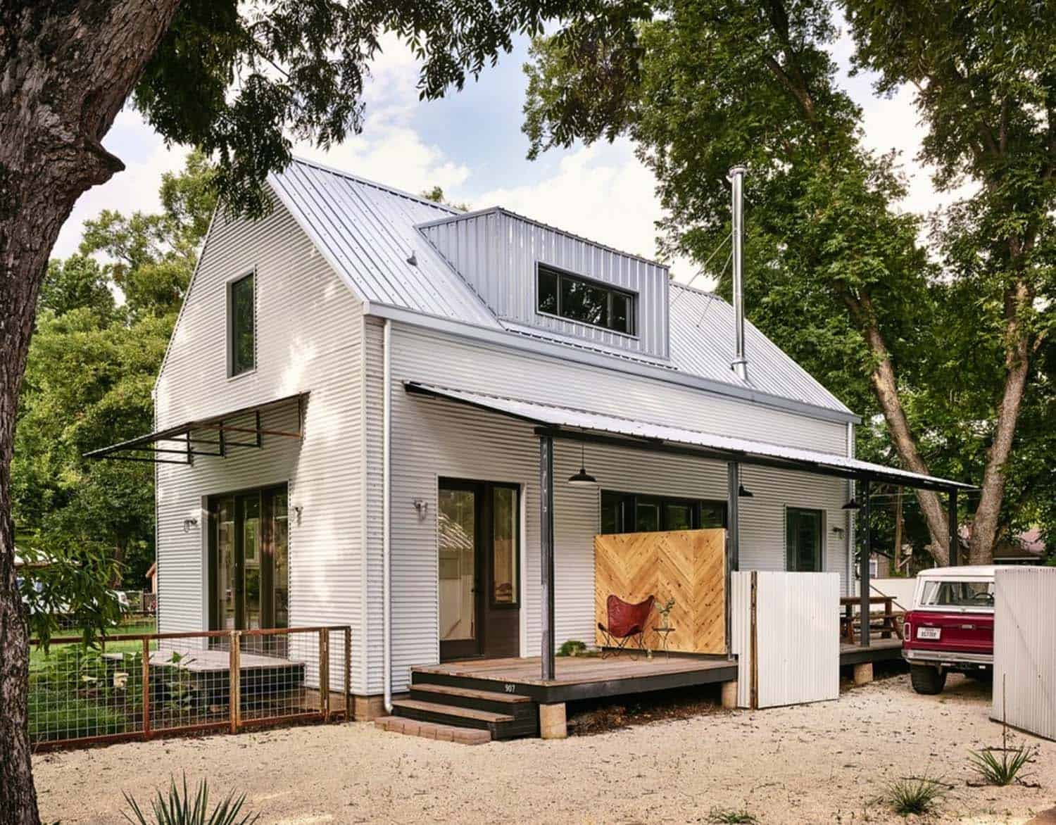 Modern Farmhouse Style-Rauser Design-01-1 Kindesign