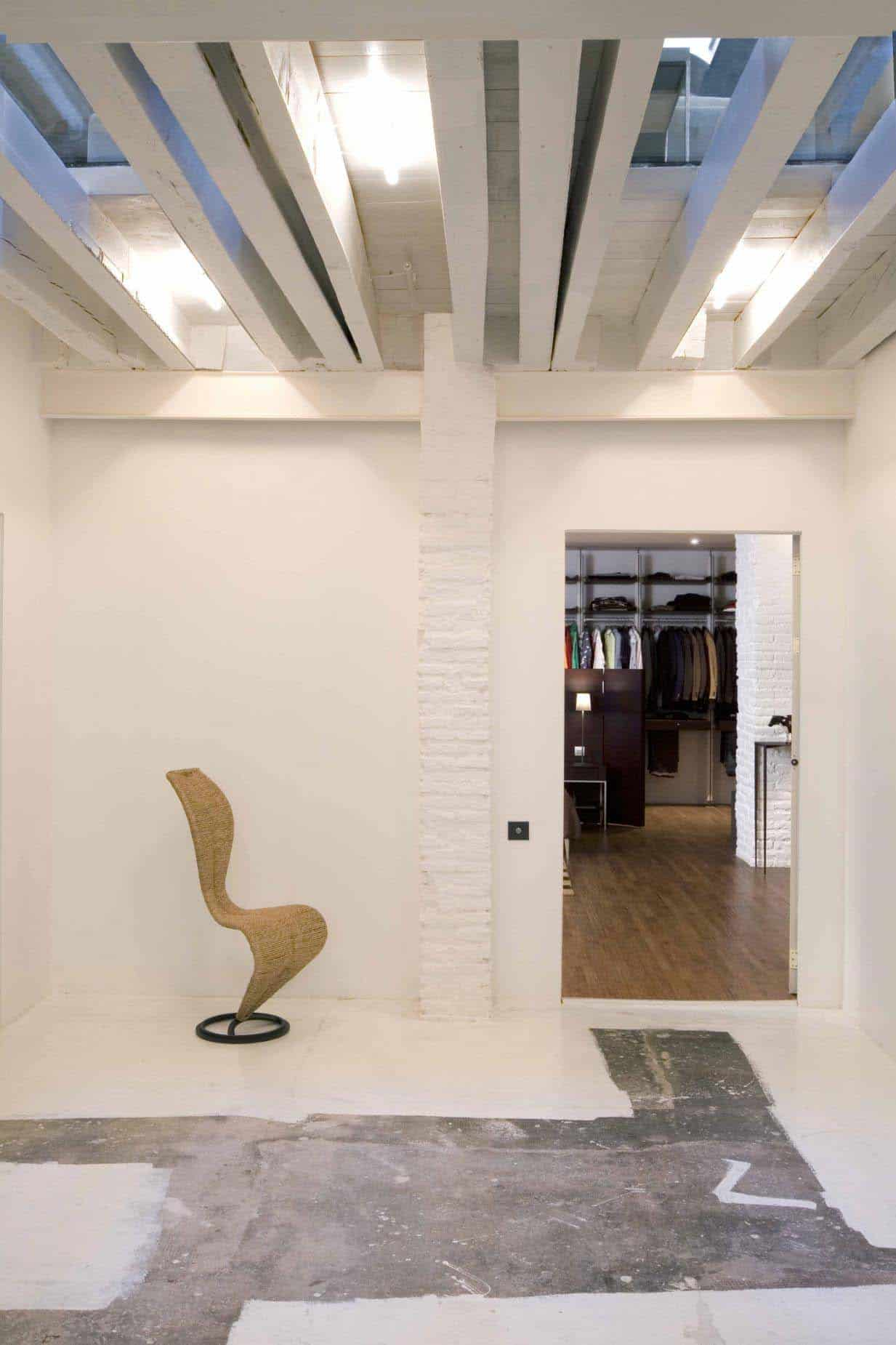 Renovated loft in barcelona brimming with industrial character - Loft industrial barcelona ...