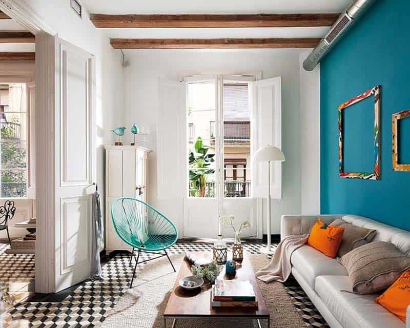 Retro modern details infused into restored barcelona apartment for Idee interior design