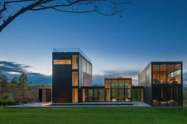 featured posts image for Woodland home in Virginia exhibits intriguing play of volumes