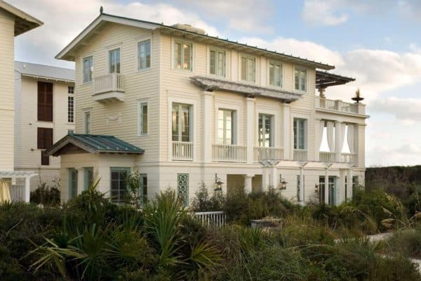 featured posts image for Very charming seaside escape overlooking the ocean in Florida