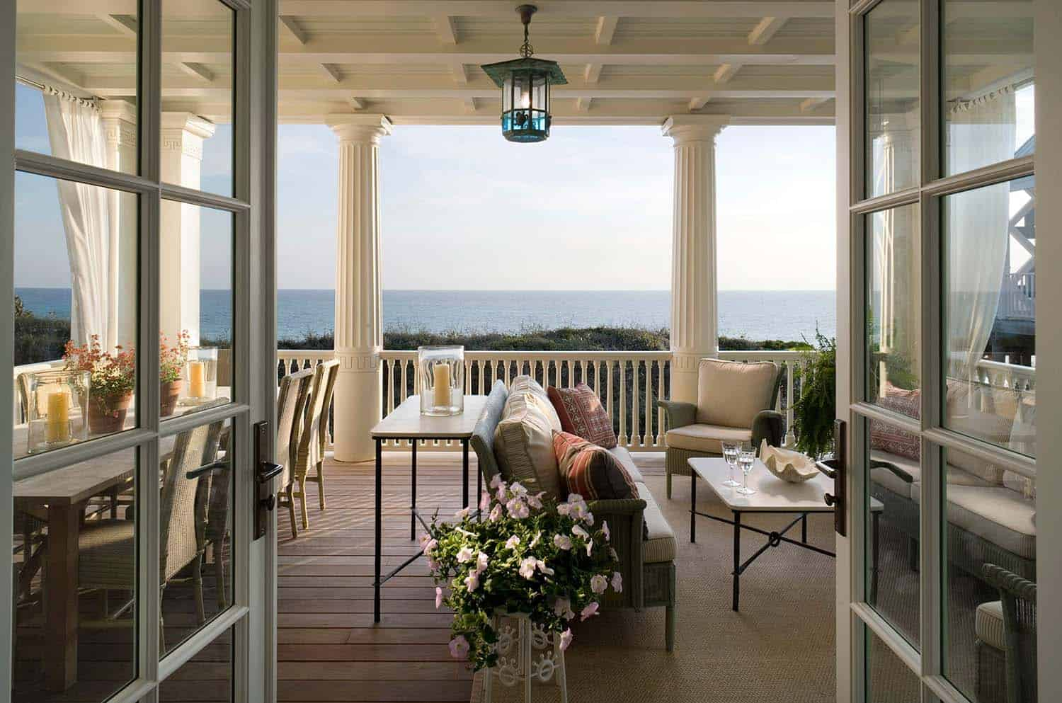 Charming Seaside House-Robert AM Stern Architects-12-1 Kindesign