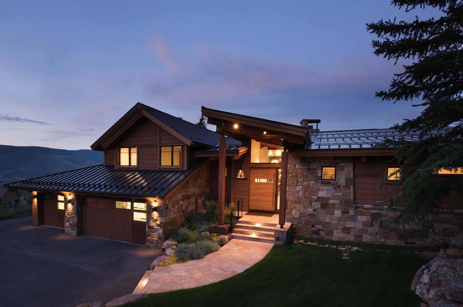 Elegant mountain contemporary home in colorado radiates for Mountain home architects