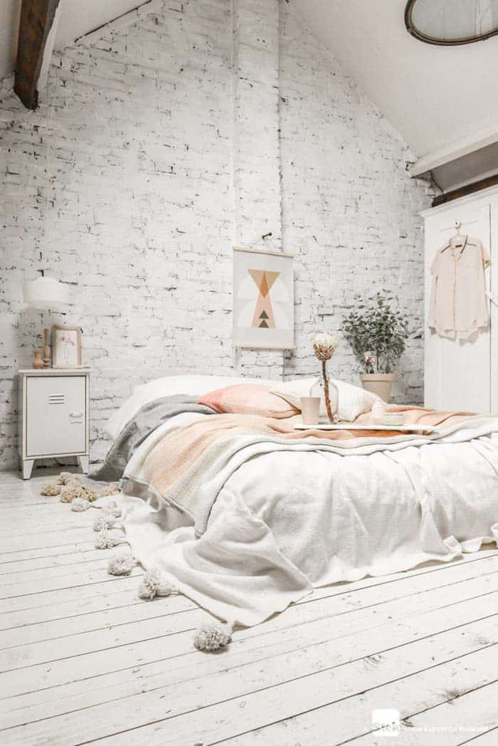 Cozy Bedroom Decorating Ideas For Winter-07-1 Kindesign